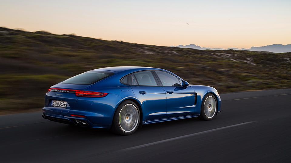 Laadpaal kopen voor uw elektrische Porsche Panamera 4 E-Hybrid