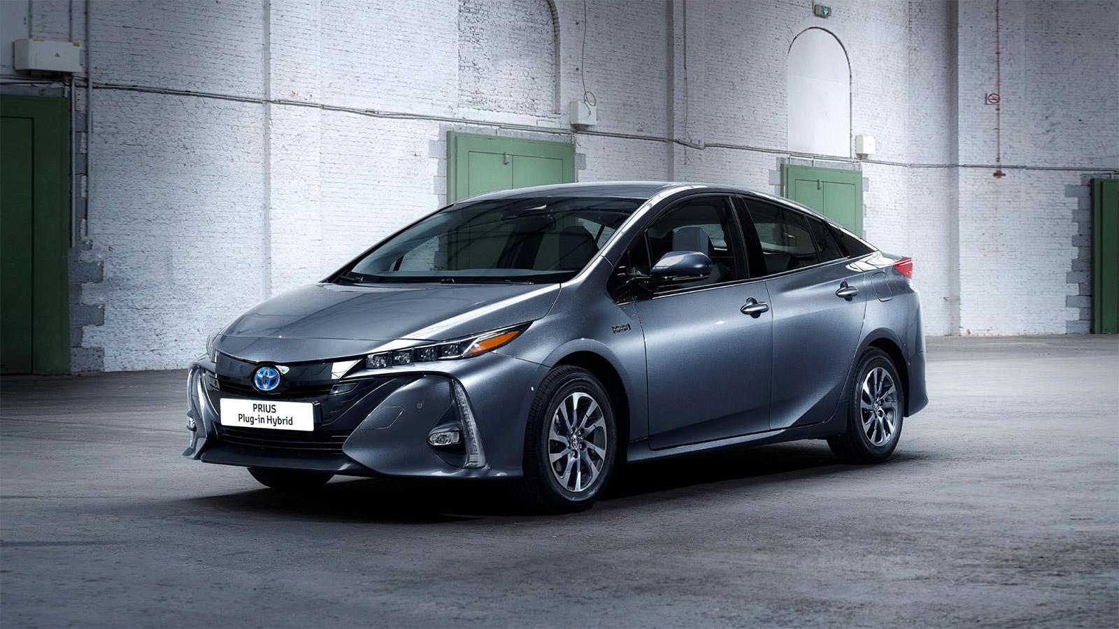 Laadpaal plaatsen voor een Toyota Prius Plug-in Hybrid? - ENGIE